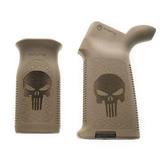 AR-15 Magpul MOE + MVG Grip Set - Punisher Skull - Flat Dark Earth